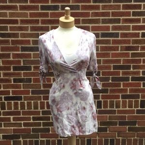 NWT Honey Punch floral v cut mini dress size S